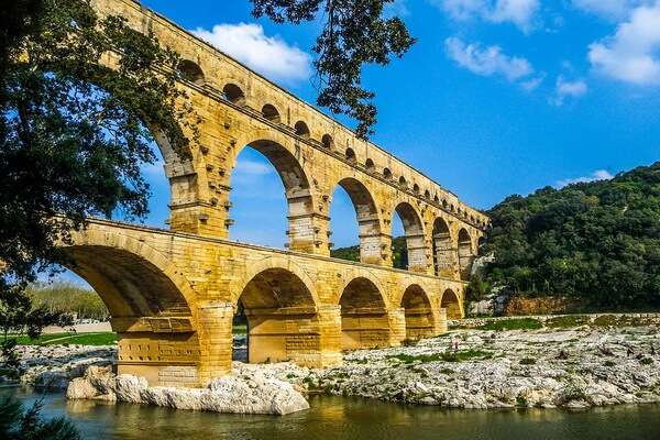 Акведуки мира - Акведук Пон-дю-Гар во Франции