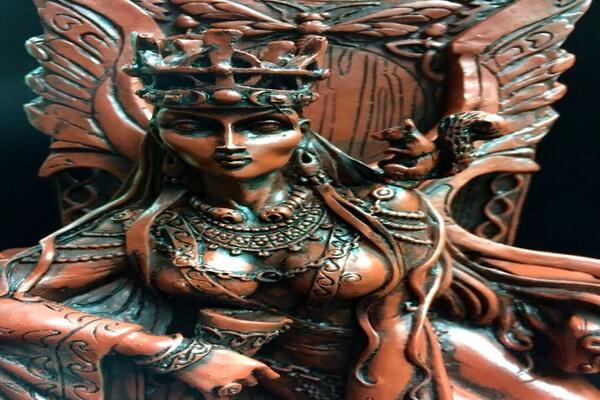 Белка в кельтской мифологии - спутница богини Медб