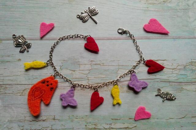 Оригинальный браслет из фетра - Котик с рыбками