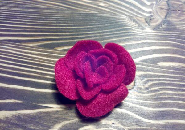 Брошь цветок из фетра своими руками пошагово - шаг 12