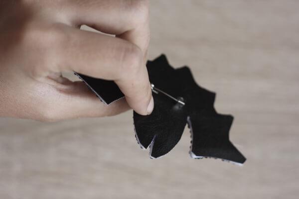 Брошь летучая мышь из бисера - пошаговый мастер-класс - шаг 10 (1)