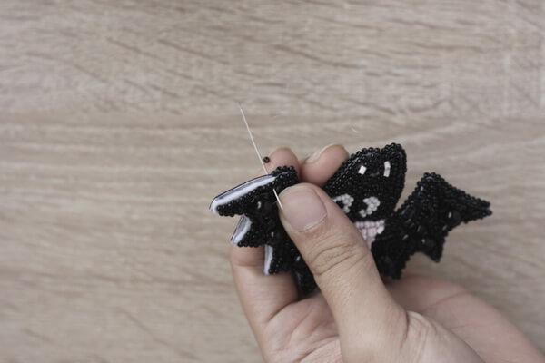 Брошь летучая мышь из бисера - пошаговый мастер-класс - шаг 11 (1)
