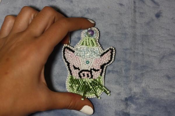Брошь свинка из бисера своими руками - пошаговый мастер-класс с фото