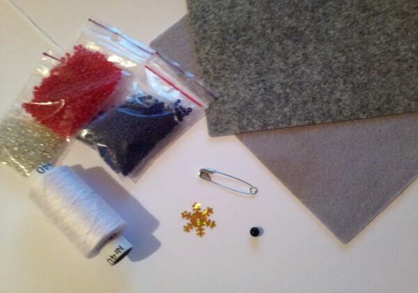 Зимняя брошка снегирь из бисера своими руками - инструменты и материалы
