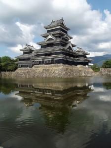 Японский замок Ворона (замок Мацумото)