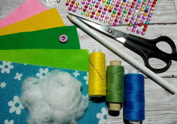 Как сделать игольницу из фетра своими руками - инструменты и материалы