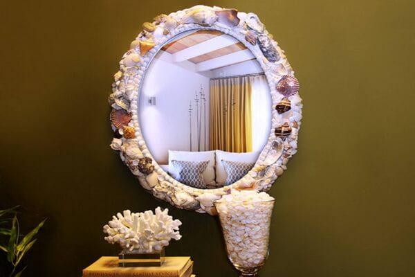 Идеи декора из ракушек - Украшение рамы зеркала
