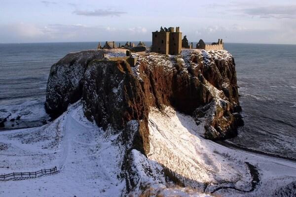 Замок Данноттар в Шотландии и его история