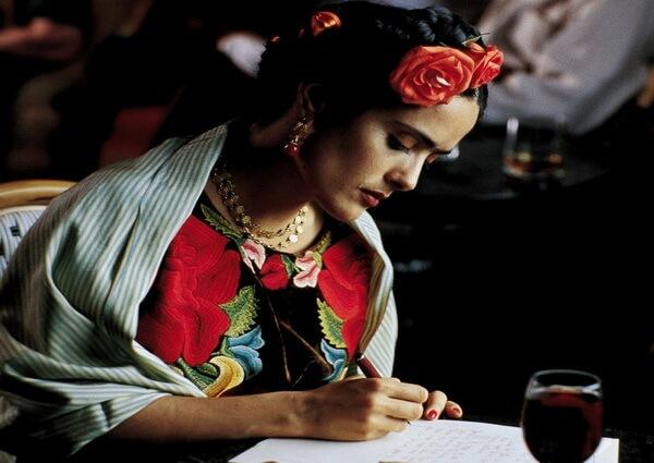 Список лучших фильмов про художников - Фрида (2002)