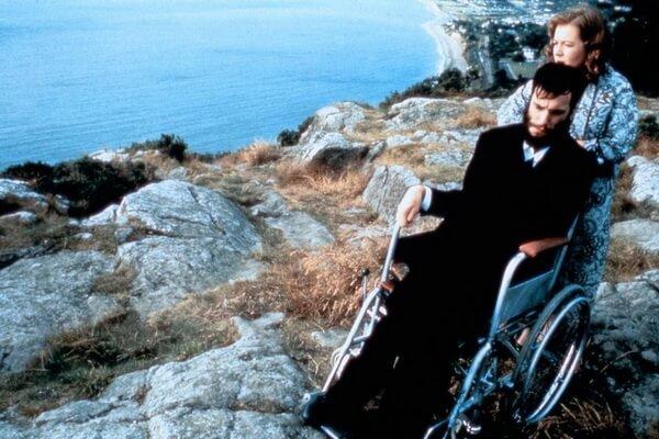 Лучшие фильмы про художников - Моя левая нога (1989)