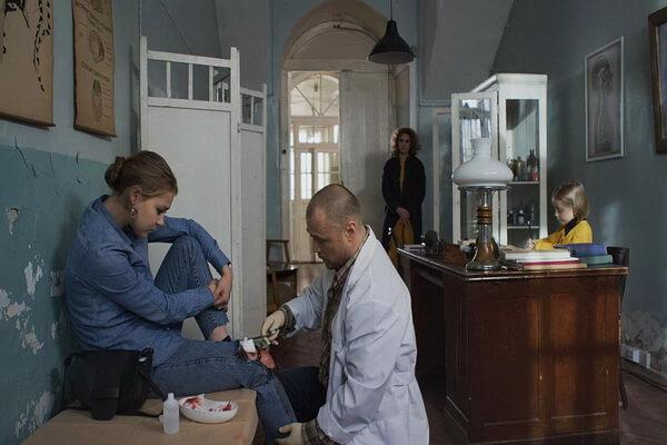 Главные герои фильмов про Агату Север - Доктор Павел