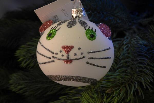 Идеи для новогоднего декора ёлки своими руками - Оригинальные ёлочные шары - фото 8