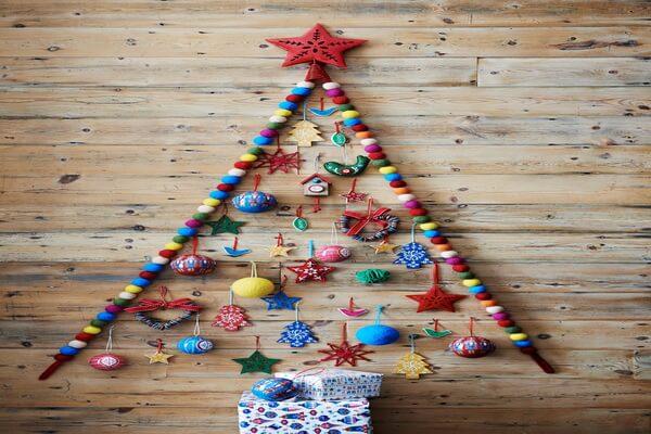 Идеи новогоднего декора - Новогодние ёлки своими руками из подручных материалов - фото 1