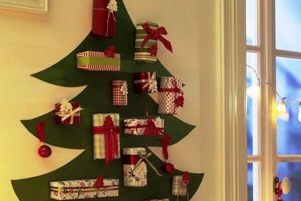 Идеи новогоднего декора - Новогодние ёлки своими руками из подручных материалов - фото 2