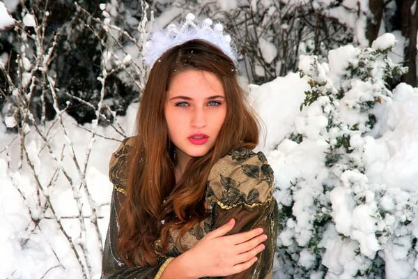 Фотосессия в зимней лесу для девушки - лучшие идеи с фото для вдохновения