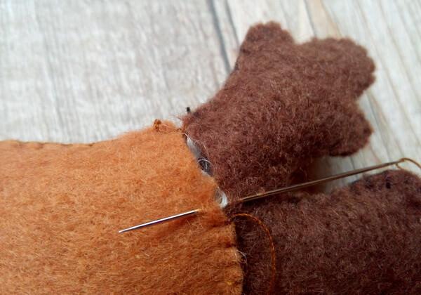 Олень из фетра своими руками пошагово - шаг 10