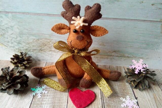 Игрушка новогодний олень из фетра своими руками
