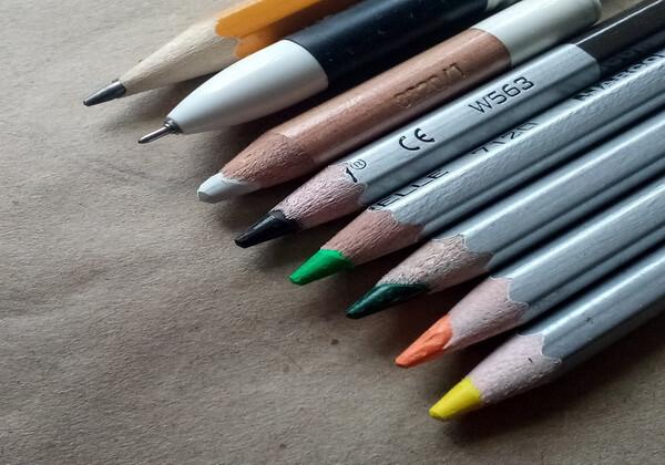 Как нарисовать богомола - инструменты и материалы