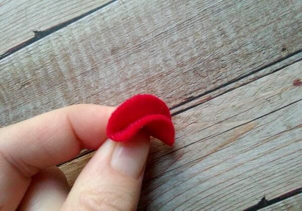 Как сделать чехол для телефона из фетра своими руками - шаг 3