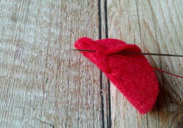 Как сделать чехол для телефона из фетра своими руками - шаг 6