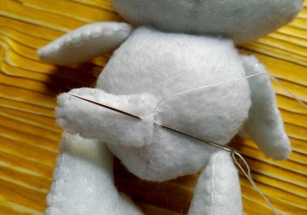 Хеллоу Китти - кошечка из фетра своими руками пошагово - шаг 26