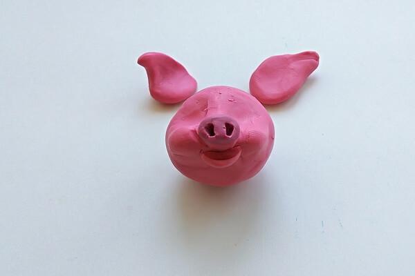 Как слепить свинку из пластилина пошагово - шаг 8