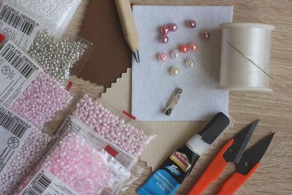 Брошь морская звезда из бисера - инструменты и материалы для работы