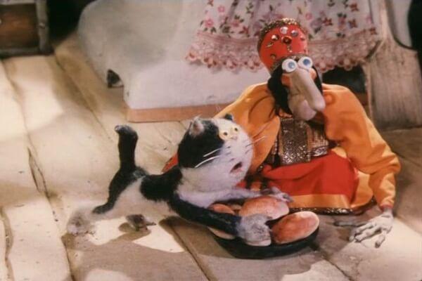Баба-Яга и кот из мультфильма про домовёнка Кузю