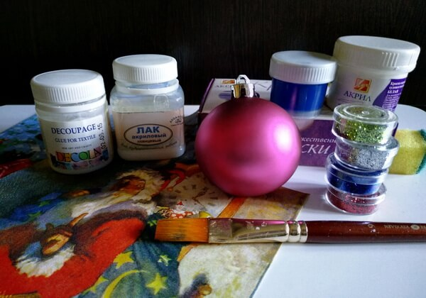 Декупаж ёлочного шара - инструменты и материалы