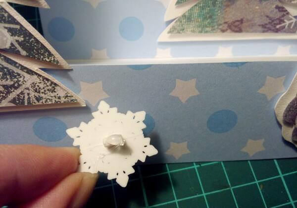 Как сделать объёмную новогоднюю открытку - шаг 13