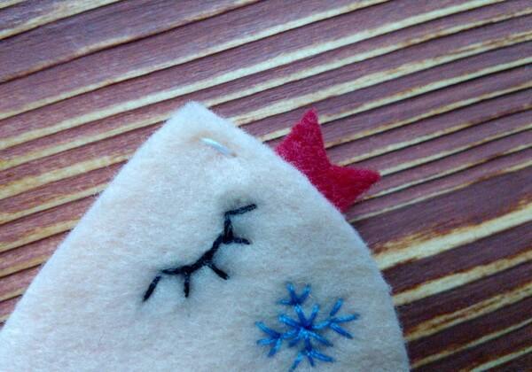Новогодняя брошь Птичка из фетра пошагово - шаг 18