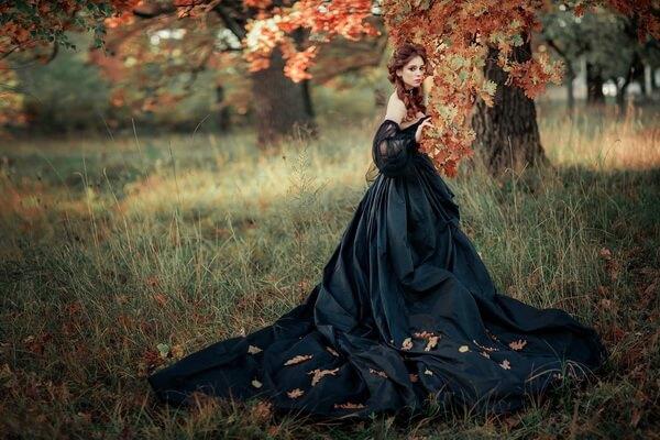 Идеи для фотосессии в осеннем лесу - Готическая принцесса