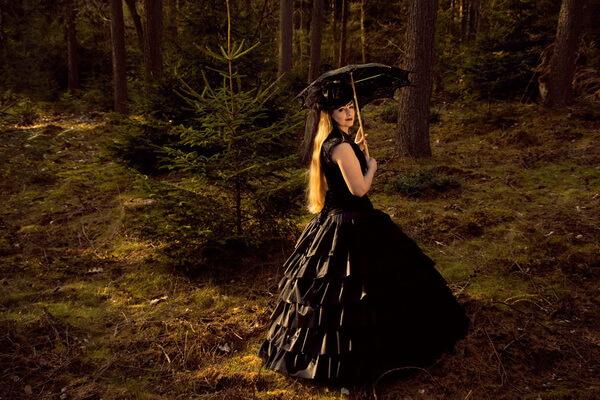 Идеи для осенней фотосессии в лесу - Готическая принцесса