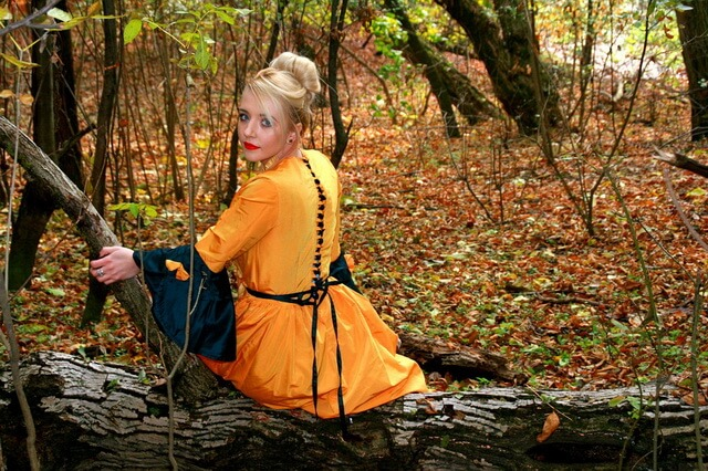 Осенняя фотосессия в лесу - красивые фото и идеи для вдохновения
