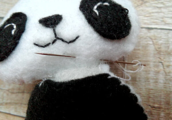 Панда из фетра пошагово - шаг 13