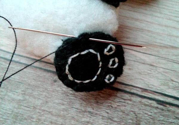 Панда из фетра пошагово - шаг 24