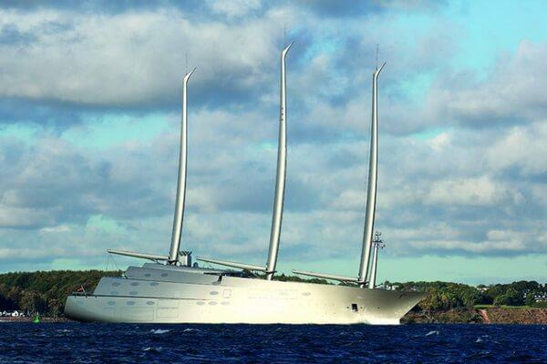 Парусная яхта А - работа Филиппа Старка