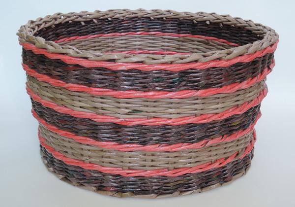 Плетение корзинок из газет