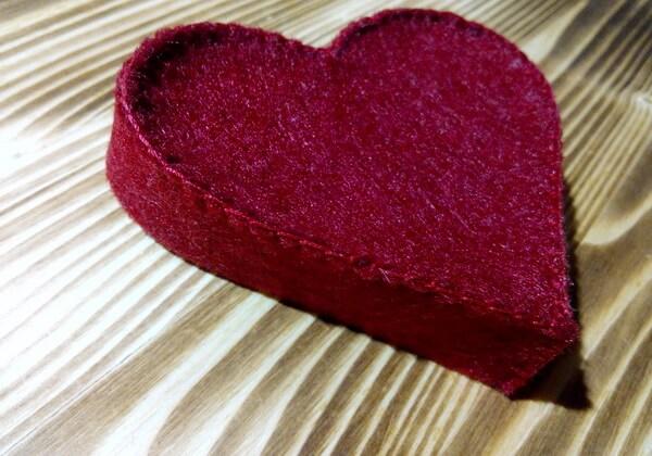 Основа подарочной коробочки сердце из фетра
