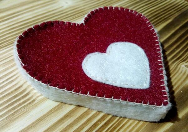 Коробочка сердце из фетра пошагово - шаг 11