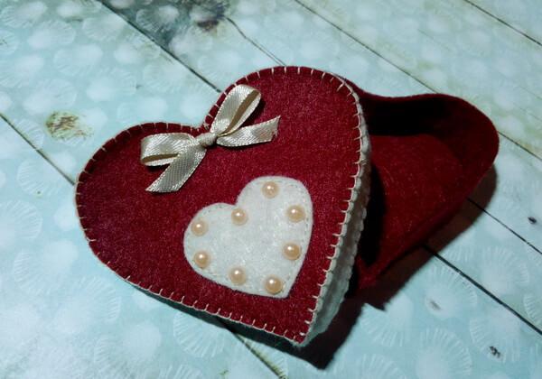 Подарочная коробочка из фетра своими руками