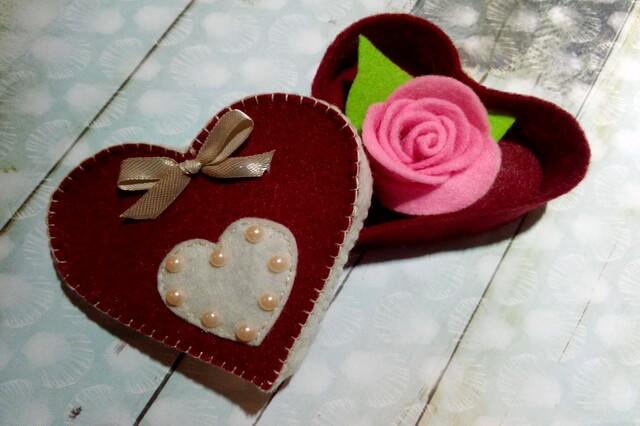 Подарочная коробочка сердце из фетра своими руками - пошаговый мастер-класс