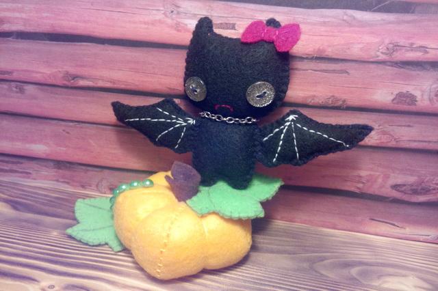 Мастер-класс поделки на Хэллоуин - летучая мышь из фетра