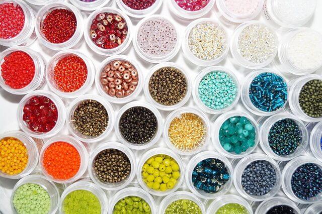 Разновидности бисера - основные формы с описанием и фото