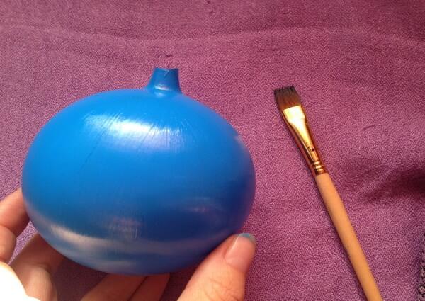 Роспись ёлочного шара акриловыми красками поэтапно - шаг 1
