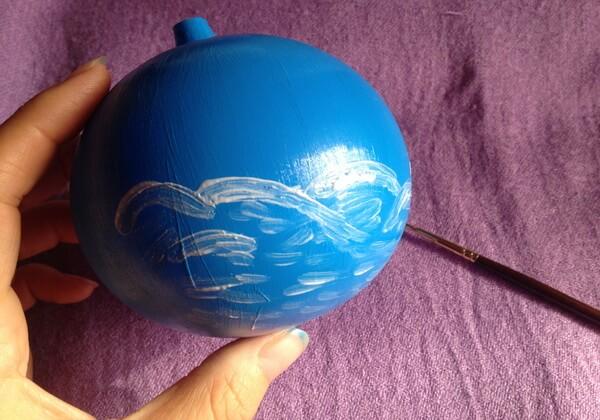 Роспись ёлочного шара акриловыми красками поэтапно - шаг 2