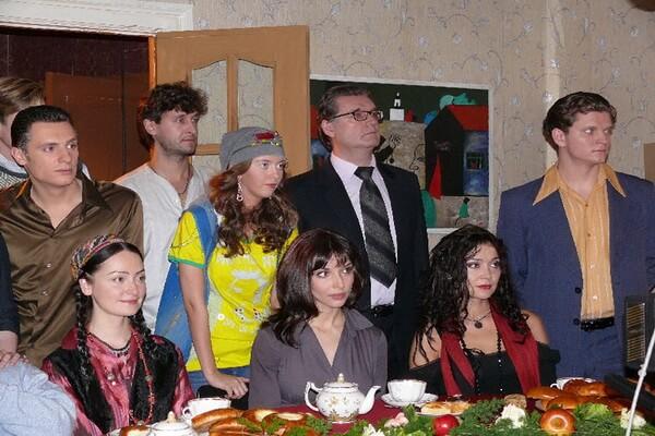 Сериалы про несколько поколений семьи - «Ермоловы» (2008)