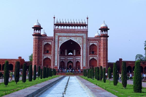 Тадж-Махал - дворец в память о возлюбленной