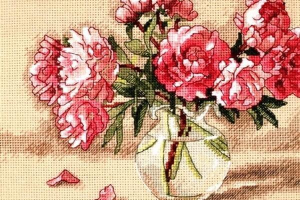 Вышивка для привлечения любви - Пионы