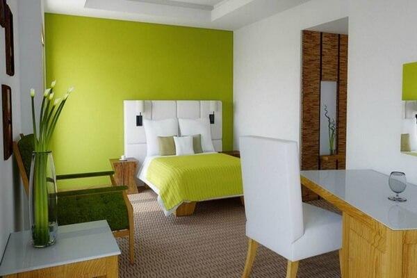 Зелёный цвет в интерьере - фото и идеи для вдохновения